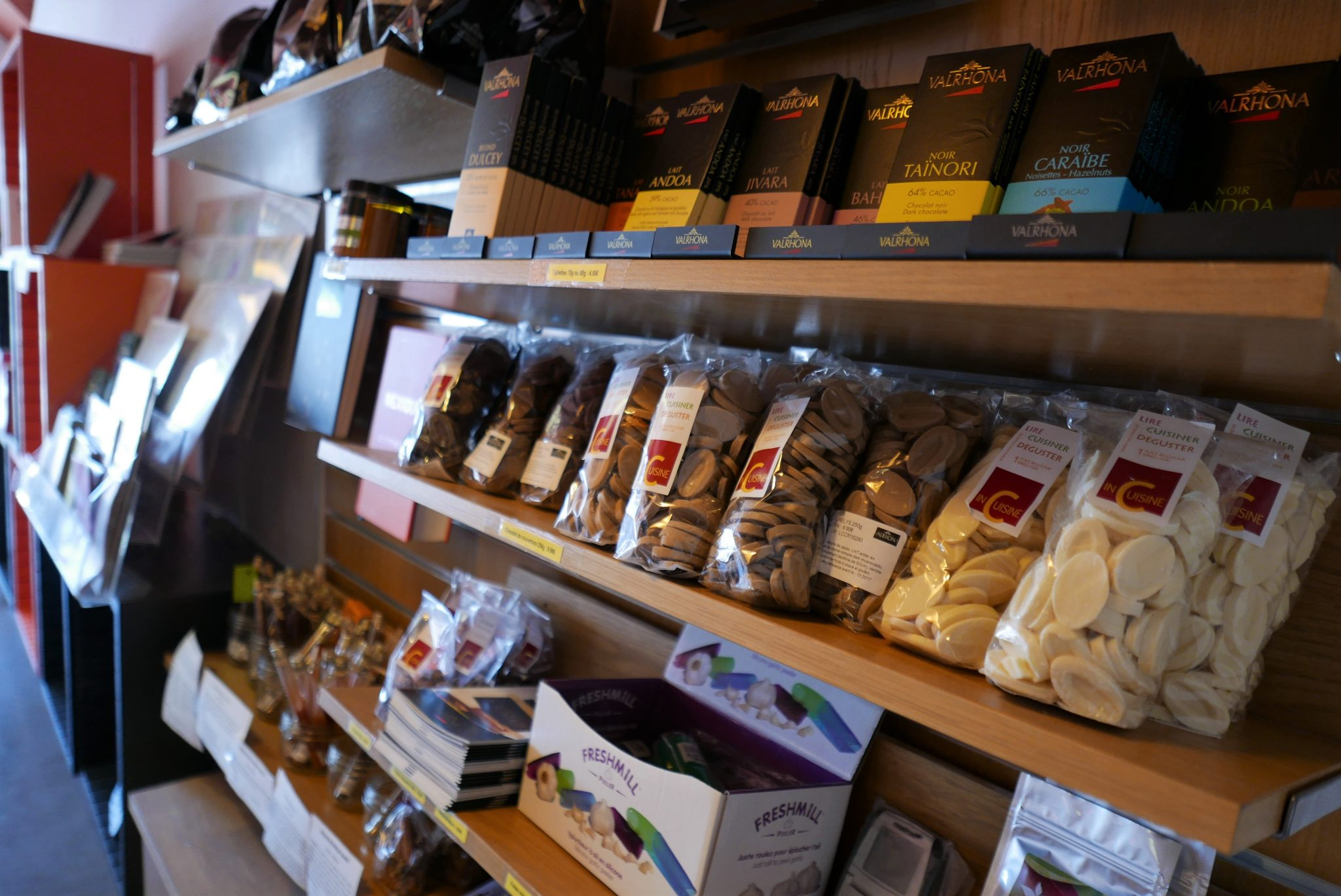 Boutique in cuisine caf atelier et librairie culinaire for Boutique culinaire